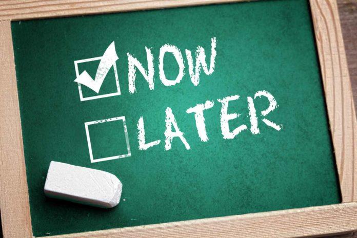 Jim Rohn's 2 Simple Techniques To Stop Procrastinating