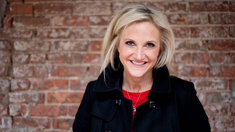 75 Mel Robbins Quotes That Will Make You Take Action