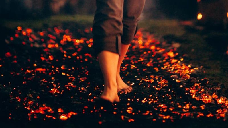 Tony Robbins Firewalk - Will It Change Your Life?